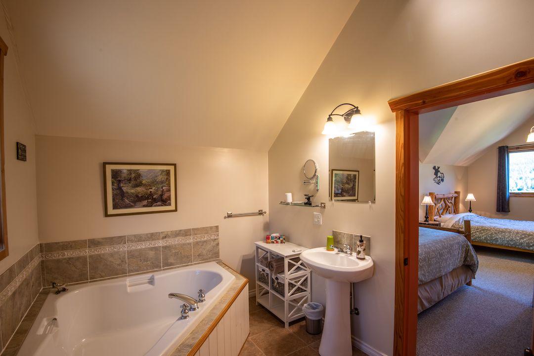 Moose Room Bathroom